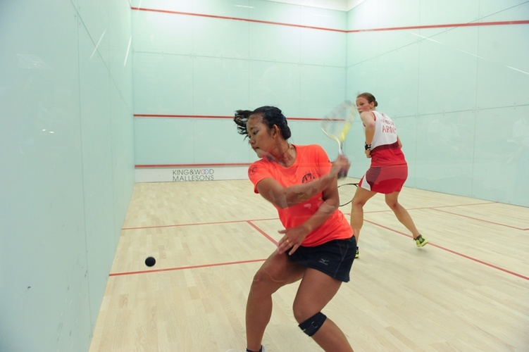 Catur Yuliani (INA) came back from 0-2 down against British Army No1 Rosie Hamilton, to win the Ladies competition