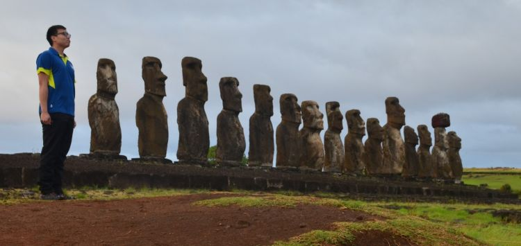 SKMT_16_17_PeterTsang_EasterIsland.jpg